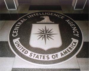 Il dialogo tra un agente della CIA e un agente italiano