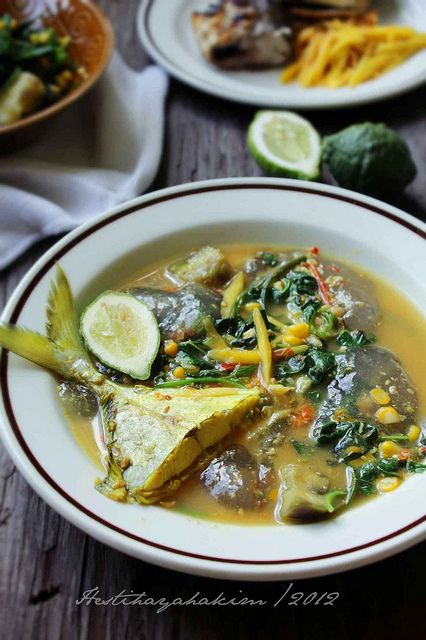 Kapurung (South Sulawesi Fish and Sago Ball Soup) by Hesti HH, via Flickr