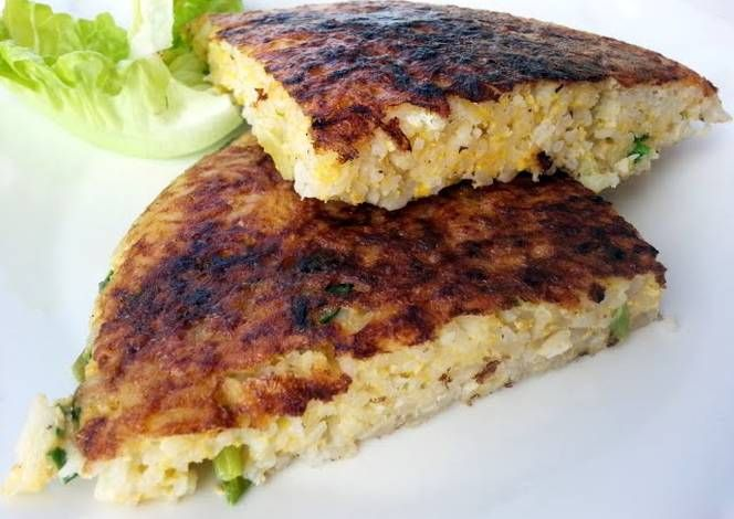 Rice Omelette Recipe -  Yummy this dish is very delicous. Let's make Rice Omelette in your home!