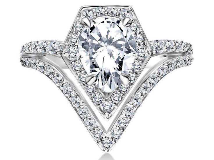 Vous avez prévu de vous marier prochainement ? Vous adorez les créations de Karl Lagerfeld ? Alors c'est votre jour de chance : le célèbre couturier lance sa première collection d'alliances et de bagues de fiançailles.