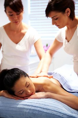 Venustus_four_hand_body_massage