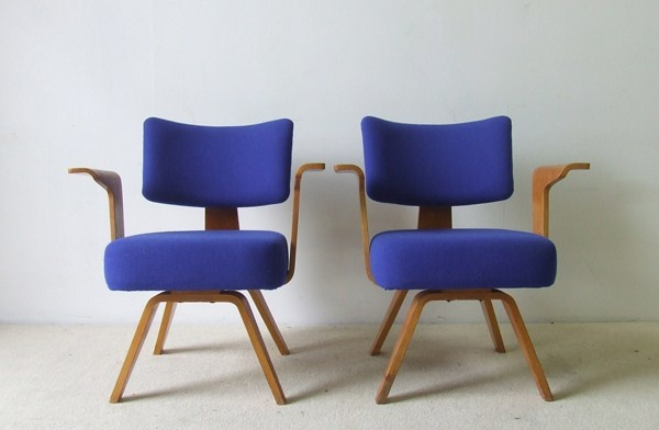 No. 506 armchairs by Cor Alons