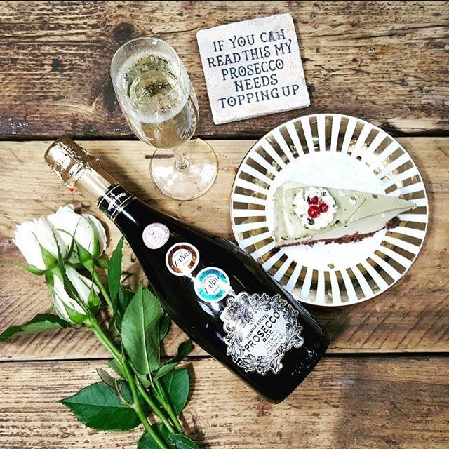 Pistachio Cheesecake & Prosecco #pistachio #cheesecake #prosecco #premierestates #bubbles #cheesecake #keepitpremier
