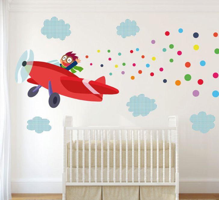 Habitaciones llenas de color gracias a los vinilos. Una fuente de inspiración para decorar el espacio de tus pequeños.