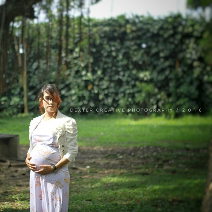 Love is not about a words Love is a story that we play together...both of us...as a king and queen, run our own little kingdom together, and dance slowly with our destiny...caring each other untill the time is come.  #dexter_creative #photography #images #maternity #pregnancy #lovestory #storylines #reallife #workhard_laughhard #myqueen