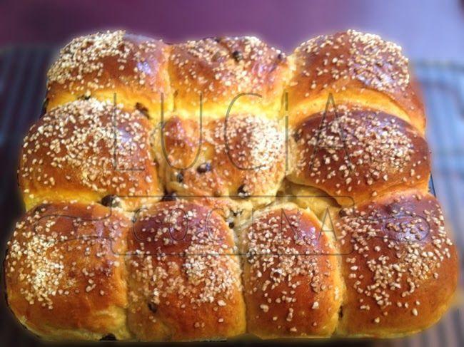 Bollitos suaves con chips de chocolate, bread, chocolate bread, mojicones