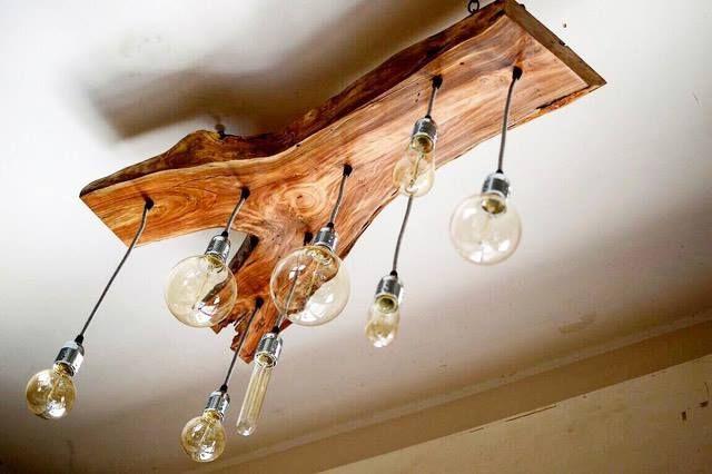 Lampadario in legno massello di ciliegio con 8 punti luce di design