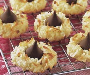 HERSHEY'S®* KISSES®* Macaroon Cookies