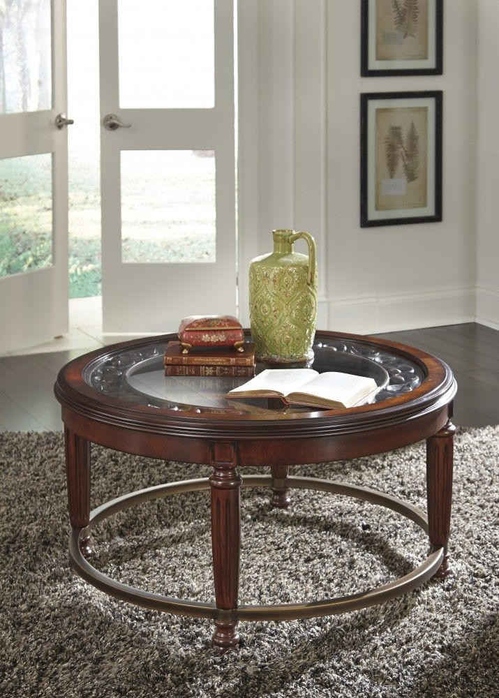 Leahlyn   Reddish Brown   Round Cocktail Table