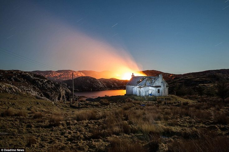 This extraordinary image shows an abandoned crofters' cottage on an unnamed island in the Outer Hebrides with the sea behind it