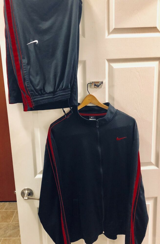 f10179010d04 Very Nice NIKE DRI-FIT Mens Black Red Basketball Track Suit