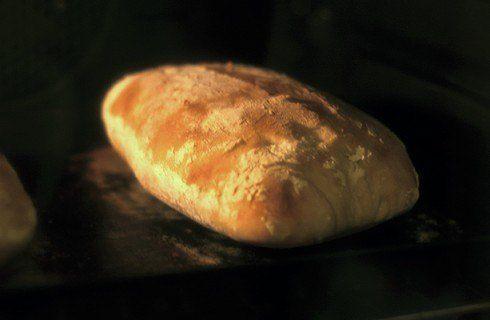 Il pane rustico in cottura
