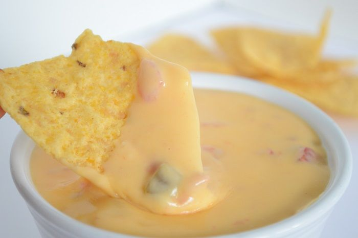 El mejor #dip de #queso para acompañar muchos platos!