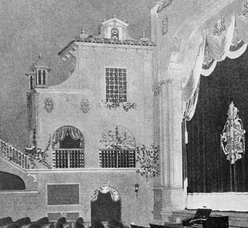 "(note organ at edge of stage The Texas Theatre in Oak Cliff  — which opened in April, 1931 — was the first movie theater in Dallas built expressly to show movies with sound. It was also the largest ""suburban"" theater in the Dallas area — only downtown's first-run Majestic and Palace theaters were larger. Below are photos of the theater's ""Venetian-style"" interior"
