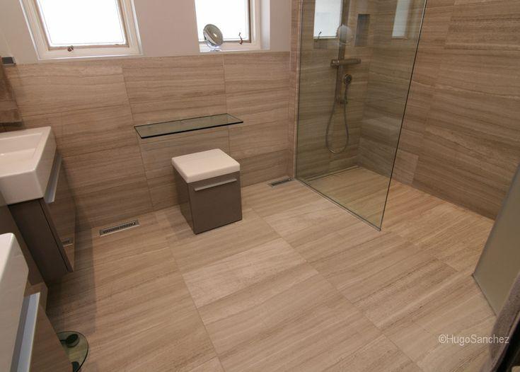 Douche et salle de bain de concept ouvert