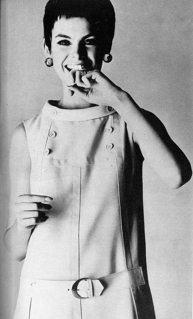 Jean Shrimpton by Bailey Vogue UK April 1967