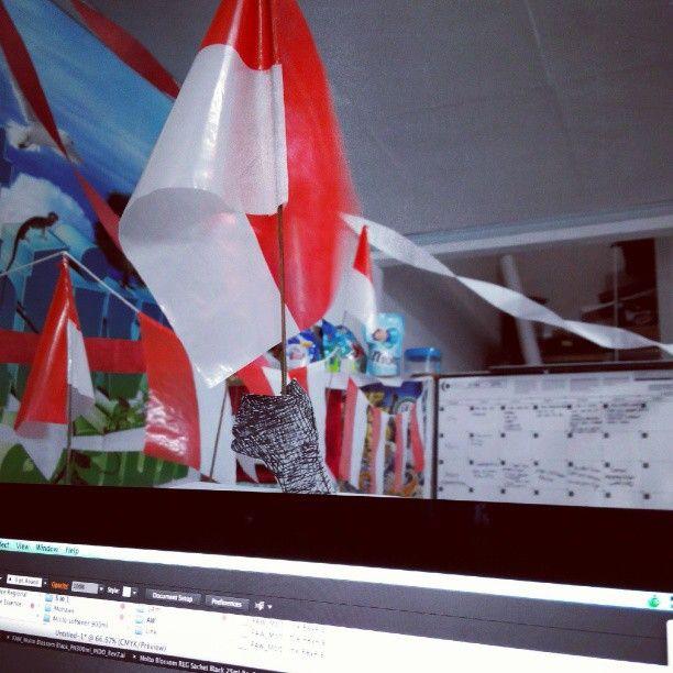 Iseng di kantor