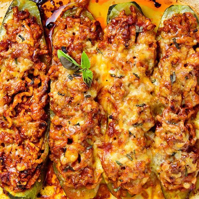 Hi guys, I have a new recipe: Italian stuffed zucchini boats  Baked zucchini boats stuffed with pork mince in marinara sauce, seasoned with Italian spices and topped with a lot of cheese. This lasagna like low carb & glute free dish is super delicious and super hearty. Find this easy dinner recipe here: http://myzucchinirecipes.com/italian-stuffed-zucchini-boats/  #zucchini #zucchiniboats #lowcarb #glutenfree #cleaneatingfood #eatclean #dinnerrecipe #recipe #baked #stuffedzucchini #pork…