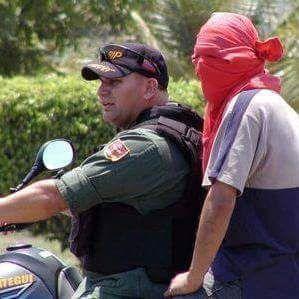via @luisalfredopolo:  El único país del mundo, donde los malandros y policías trabajan en conjunto es Vzla  #Valencia