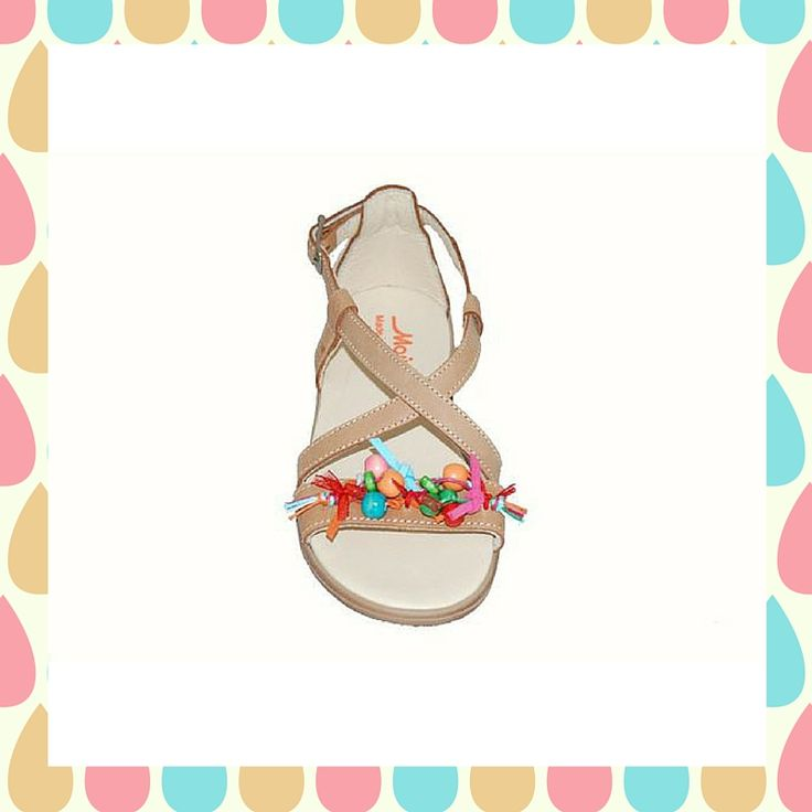#girls #sandals Πέδιλο δερμάτινο Μούγερ, βακετί με πολύχρωμες πετρούλες και κλειστή φτέρνα.