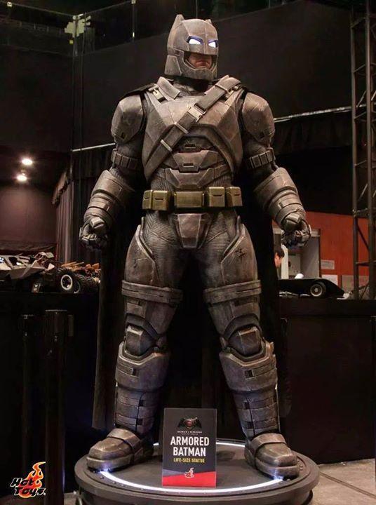 Batman Vs Superman: Todos los trajes y armaduras que usará Batman #rodaje #cineyseries