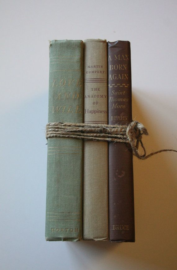 19 best Decorating With Old Books images on Pinterest | Old books ...