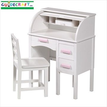 GUIDECRAFT 'JR Roll-Top Desk'/Skrivebord/Pult til Barn - Hvit - Stilige. gammeldags barne pulten/skrivebord fra Guidecraft. Uttrekkbar skrive bord og skuffer.  Masse oppbevaringsrom, inkluderer hyller og en skuff til blyanter. Stol inkludert. Tilgjengelig i naturlig og hvitt. Frifrakt Kr 3749