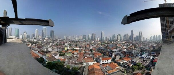 Jakarta skyscrape,i take this picture with surrond picture application on galaxy note3. and, thats awsome