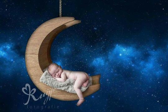 My sweet little niece Luna. Moonprop made by my grandfather. Newborn Newbornshoot Moonbed Moon Babygirl Newborngirl