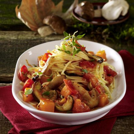 Spaghetti in Steinpilz-Kürbis-Sugo Rezept | LECKER