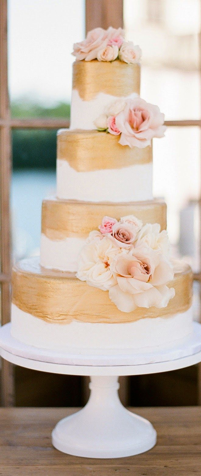 Gold and pink cake ~ KT Merry Photography | bellethemagazine.com