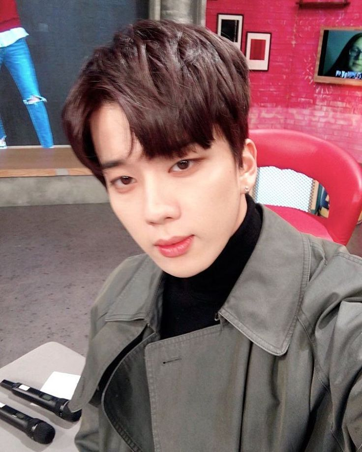 161122 After School Club posted  a photo of Youngjae on Twitter  Caption trans: Even though the focus is a little off it can't hide YOUNG JAE's good looks😍 btw the members didn't expose anything about him he must be an 😇 .  #BAP #Bestabsoluteperfect #daehyun #Yongguk #Himchan #Youngjae #Jongup #Zelo