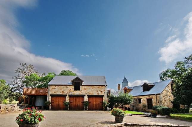 HUNTER VALLEY: The Mews Studio - Romantic studio for two in Hunter Valley, NSW (sleeps 2)