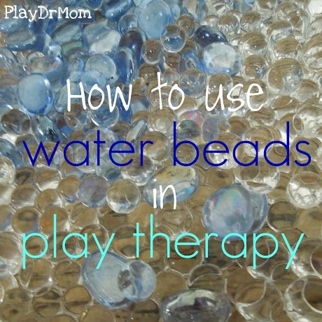 PlayDrMom shares how she uses water beads in play therapy ... plus over 30 links to water bead play!