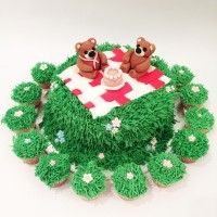Teddy Bears Picnic Cake by Miss Nattie's Cupcakes #cake