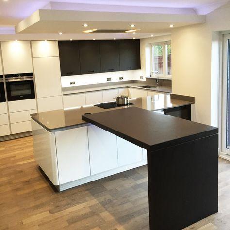 White gloss Next125 kitchen with Gris Expo Silestone & Sirius Dekton