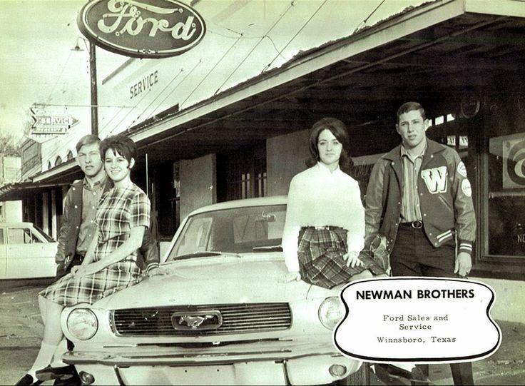 Vintage Mustang Dealership