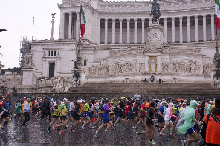 Thousands of runners participated in the Roma Marathon 2015. #romamarathon #piazzavenezia #roma #runners