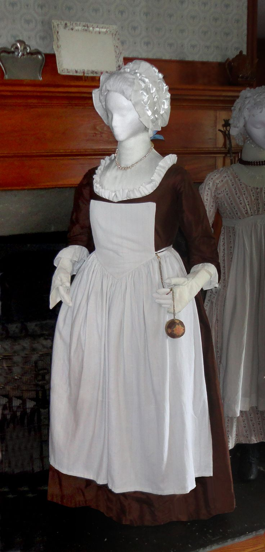 White apron penn quarter - Quaker Round Gown C 1775 Robe A L Anglaise Round Gown Back Cut