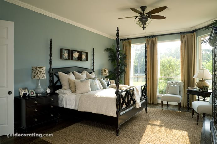 That's it, I'm painting all my wood furniture and moldings black or at least espresso! Love this bedroom!!