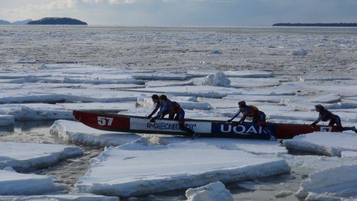 Première course de canots à glace à Rimouski Crédit photo: Armand Dubé