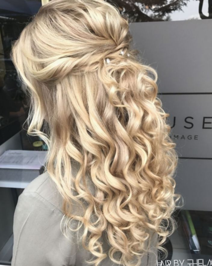 11 Hairstyles Prom Curly Natural Curls In 2020 Prom Hair Down Hair Styles Prom Hairstyles For Long Hair