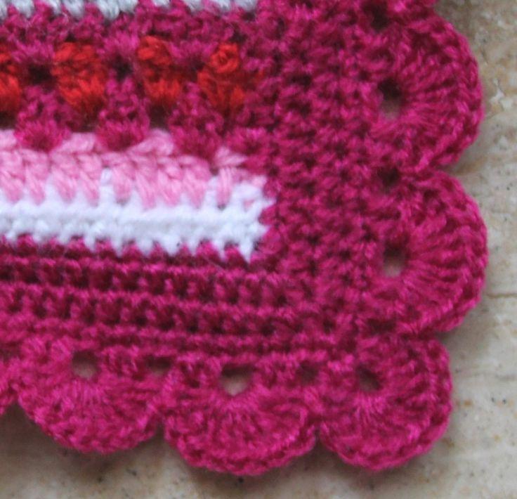 Mijn Crochet along deken is bijna klaar, alleen nog draadjes instoppen. Dan gaat deze naar mijn nichtje. Dit is de rand die ik he...