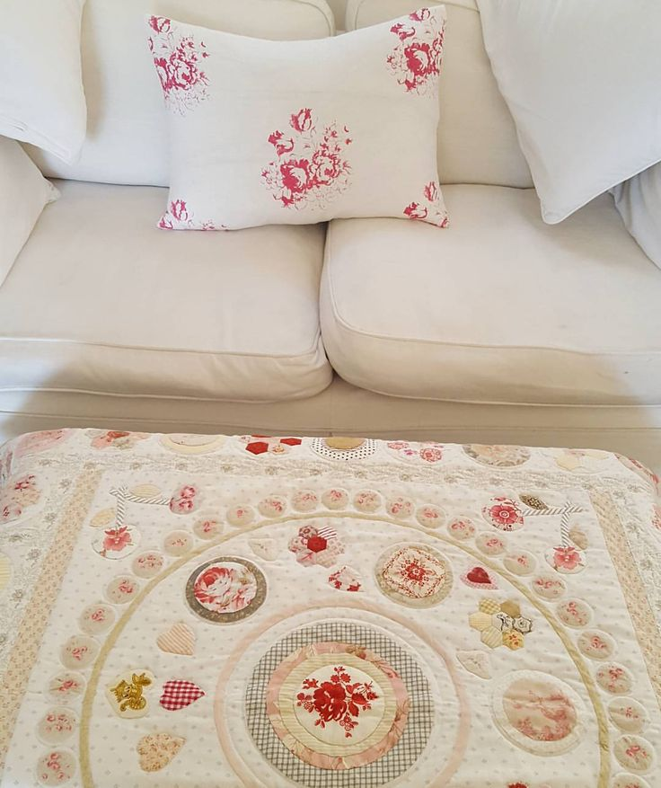 """206 Likes, 10 Comments - Carolyn Johnson (@carolynjohnson1807) on Instagram: """"Another beautiful day #theprincequilt #cabbagesandroses #madebyme #handmade #patchworkquilt…"""""""
