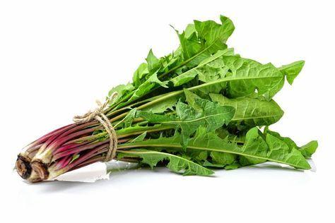 Păpădia (Taraxacum officinale) este una dintre cele mai puternice plante detoxifiante.