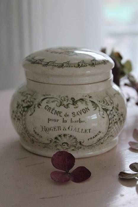 "Ceramic jar ""Cream soap for the beard"" Roger & Gallet"