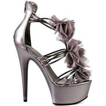 This pretty heel
