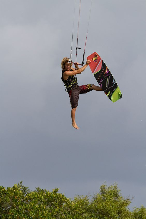 North Kites, Tom Hebert. #thepursuitofprogression #Lufelive #Kiteboarding #Kiteboard #LA #NY #Surf #Kitesurf: