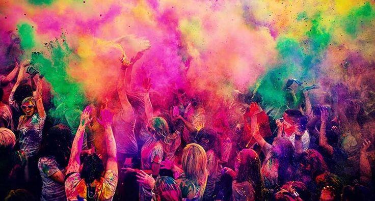 "#Holi is the perfect time to say, ""You bring colour to my life""! 💕  #HappyHoli #HoliHai #Holi2017 #HoliFestival #festival #celebrate #gifts #DIY"