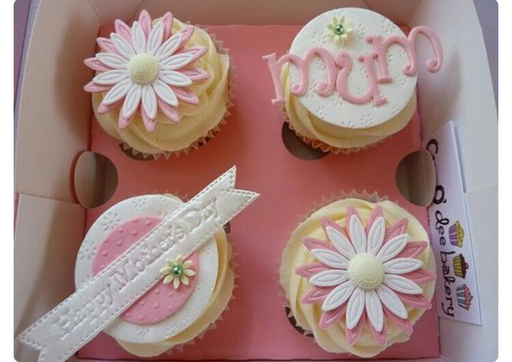 Mom cupcakes